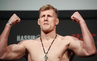 Бой Александра Волкова возглавит турнир UFC в Лас-Вегасе 20 июня