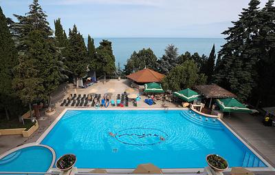 В Крыму около 70% мест в мини-отелях и пансионатах забронировали до сентября