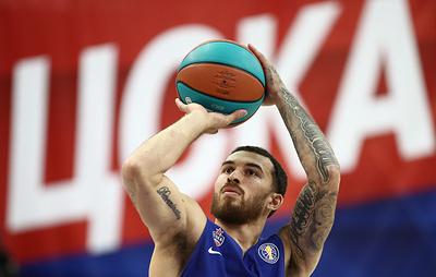 СМИ: баскетболист Джеймс на три года продлит соглашение с ЦСКА