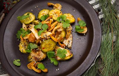Вкусная еда на время карантина: огурец — друг человека