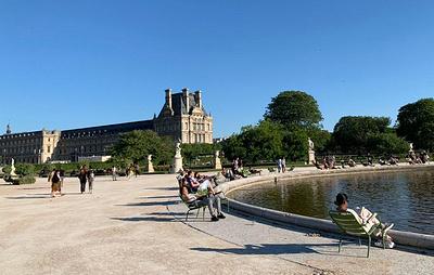 Во Франции начали открываться кафе и рестораны