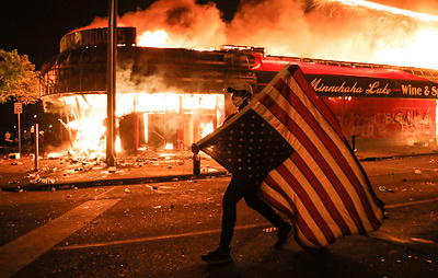 Зарево пожаров расизма: почему полыхает Америка