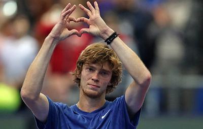 Российский теннисист Рублев выступит на выставочном турнире в Сербии