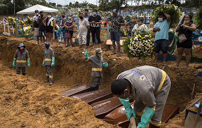 Бразилия вышла на третье место в мире по количеству умерших из-за коронавируса