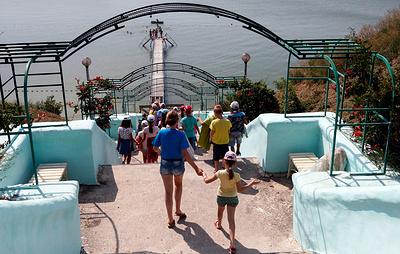 Роспотребнадзор запретил выезд детей на отдых в лагеря за пределы своего региона