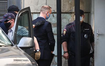 Советника главы Роскосмоса Ивана Сафронова доставили в суд
