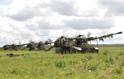 Артиллеристы в Кемеровской области уничтожили укрытия и бронетехнику условного противника