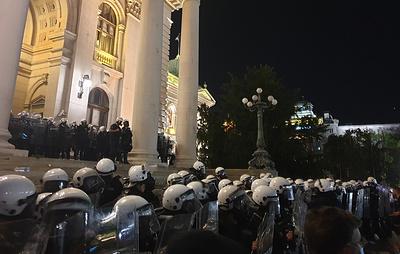 Полиция применила слезоточивый газ во время протеста в Белграде