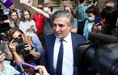 Адвокат Ефремова просит суд разрешить артисту прогулки