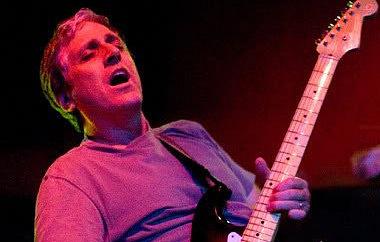 Умер экс-гитарист Red Hot Chili Peppers Джек Шерман