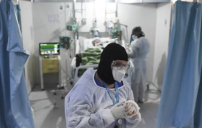 Bloomberg: умершему в Бразилии участнику испытаний вакцины AstraZeneca не вводили препарат