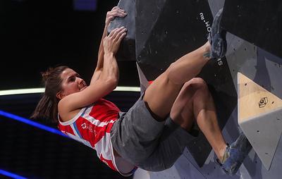 Россияне Мешкова и Рубцов завоевали олимпийские лицензии на ЧЕ по скалолазанию