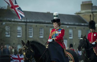 """В Лондоне призвали сопровождать все серии """"Короны"""" предупреждением о том, что это вымысел"""