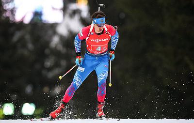 Российские биатлонисты Павлова и Елисеев выиграли масс-старт в рамках Рождественской гонки