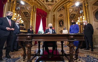 Байден подписал указ о возвращении США в ВОЗ