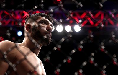 Россиянин Царукян победил Фреволу на турнире UFC