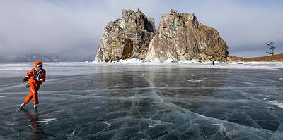 На озере, в горах и в морской бухте: самые интересные катки в регионах России