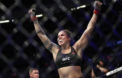 Нуньес защитила титул чемпионки UFC в легчайшем весе, победив Андерсон