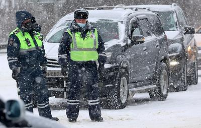 Две массовые аварии с 17 автомобилями произошли на 93-м км МКАД