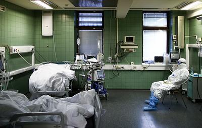 В России за сутки выявили 10 253 заразившихся коронавирусом. Это минимум с 3 октября