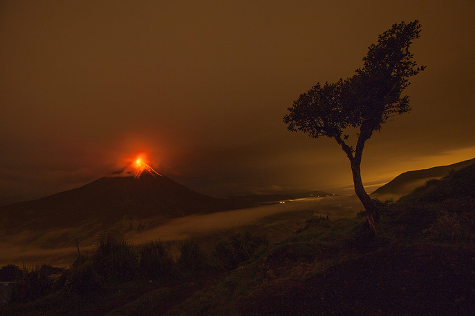 Eruption of the Tungurahua volcano, located 180 kilometers away from Ecuador's capital Quito. May 8, 2013.