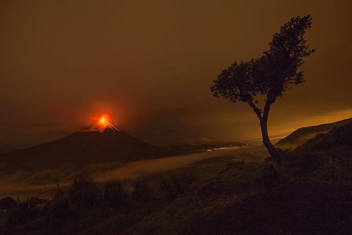 Eruption of the Tungurahua volcano, located 180 kilometers away from Ecuador's capital Quito. May 8, 2013.