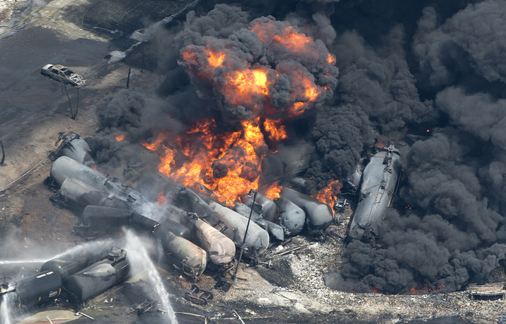 A derailment of a train carrying crude oil in June 2013 caused evacuation of up to 1,000 people in the Canadian province of Quebec