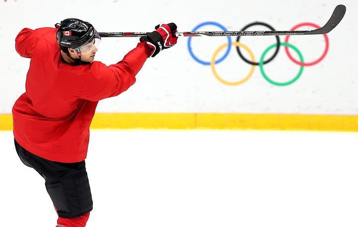 Canadian ice hockey training session ahead of Sochi Olympics