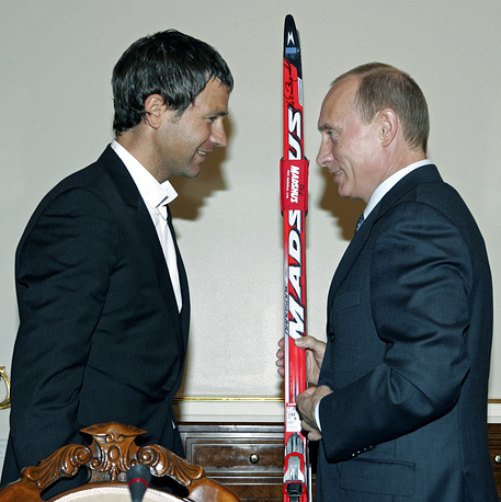 President Vladimir Putin speaks with Norwegian athlete, then a four-time biathlon world champion, Ole Einar Bjorndalen in 2007