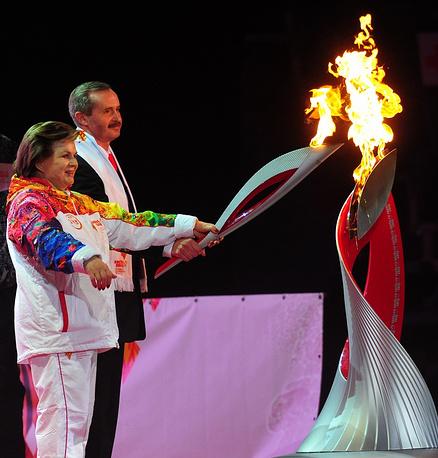 Valentina Tereshkova with the Olympic torch