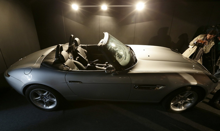 BMW Z8 was Bond's car in The World Is Not Enough