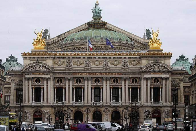 The Opera Garnier Palace ( Opera Palais Garnier) in Paris