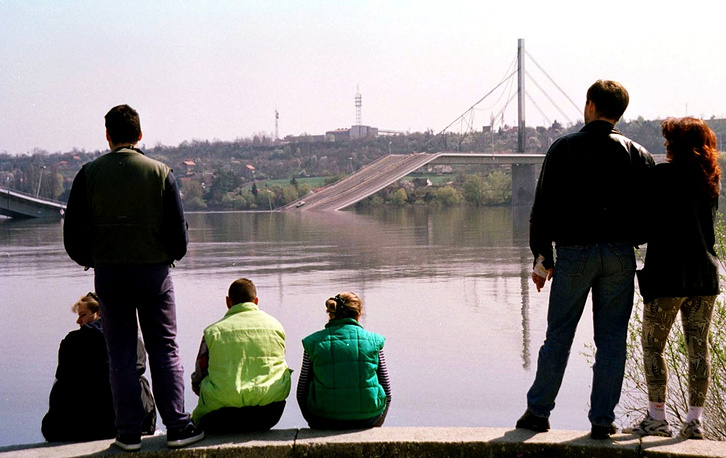 Operation 'Allied Force' in Yugoslavia, 1999. Photo: a brigde across the Danube destroyed by NATO bombing in Novi-Sad