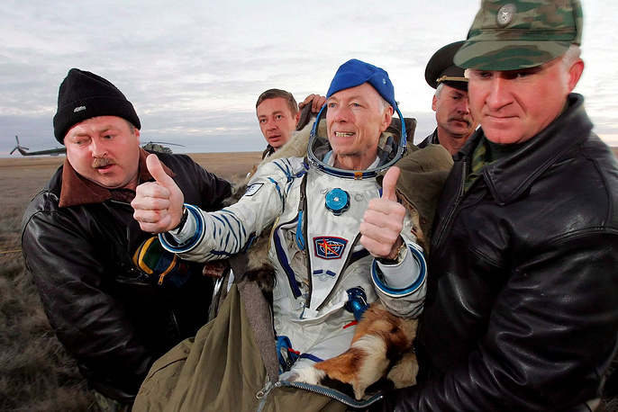 American businessman and scientist Gregory Olsen flew to the ISS in October 2005. The flight cost him $20 mln. At the space station, Olsen conducted a series of experiments. He flew with a Soyuz TMA-7 and landed with Soyuz TMA-6
