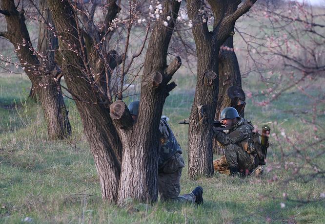 Ukrainian military forces near Kramatorsk air field