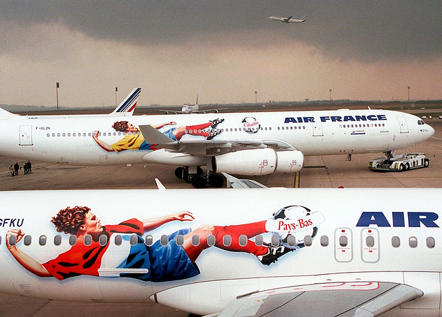 Air France planes picturing footballers ahead of World Cup 1998