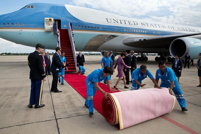 US President's plane in Bangkok airport
