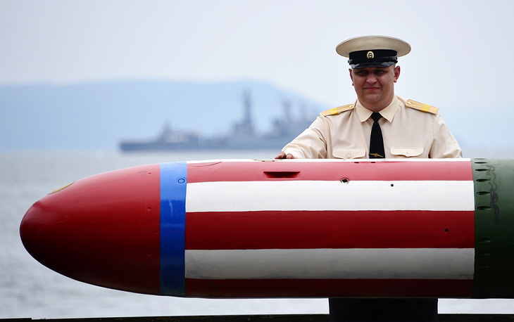 A universal torpedo seen during rehearsal for Russian Navy Day parade