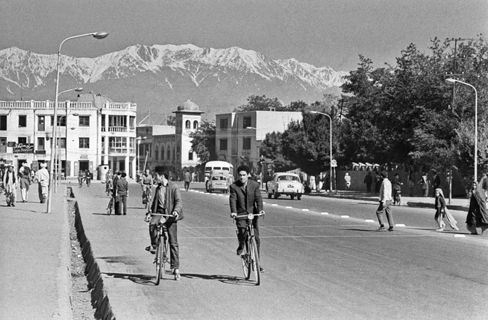After the declaration of independence, modernisation reforms were put in place. Though meeting strong opposition from religious and tribal leaders, the efforts had results. Photo: a view of the Afghan capital, Kabul, in 1969
