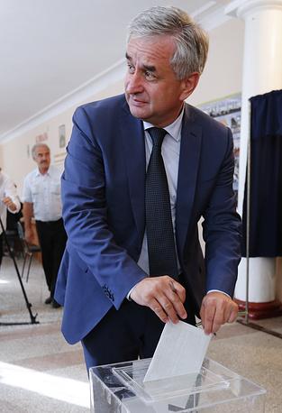 Raul Khadzhimba votes