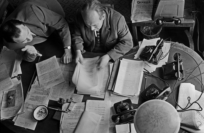 Copy editors of the foreign information desk, 1962