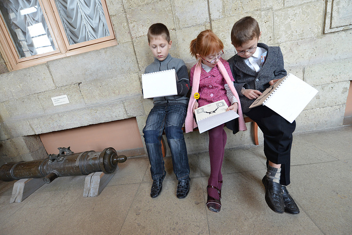 Photo: Kids from a special school for visually impaired children on an excursion to Gatchina Palace, February 20, 2013