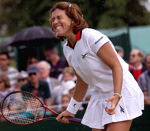 Former Olympic champion Jennifer Capriati was charged with shoplifting in 1993 and with misdemeanour marijuana possession in 1994. Photo: Jennifer Capriati at the Wimbledon Tennis Tournament, 25 June 1998