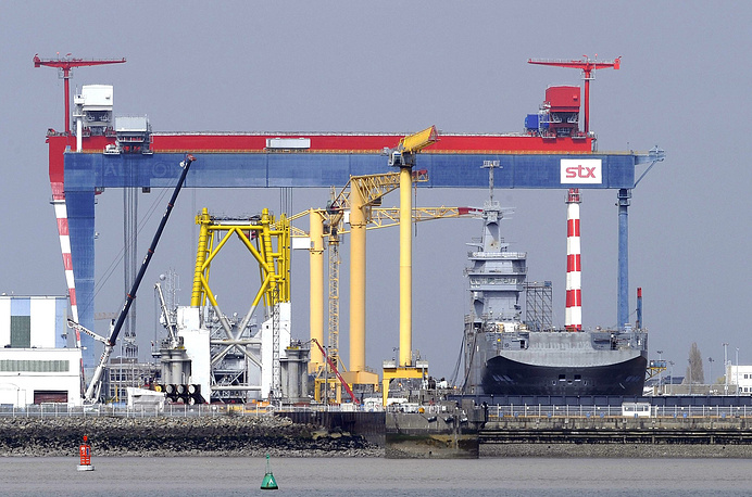 Photo: Vladivostok, a Mistral class vessel at shipyard in Saint-Nazaire, France, 19 March 2014