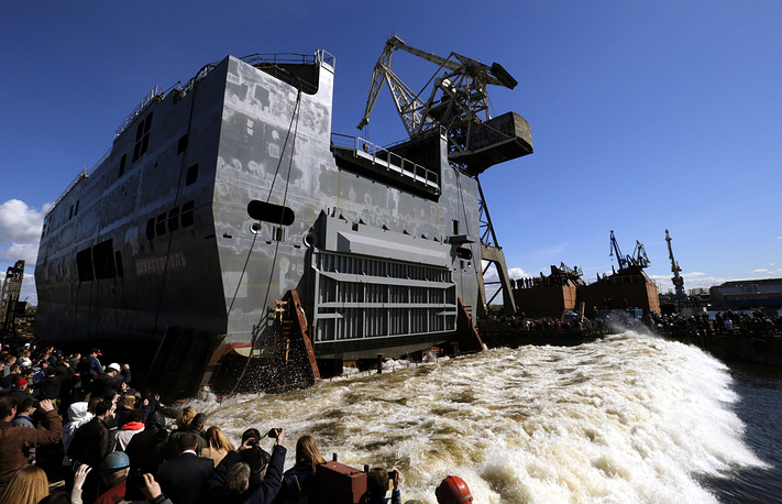 France does not confirm Russia's statements it will have the helicopter carrier on November 14. Photo: The launching of the stern section of the first Russian-made Mistral-class amphibious assault ship, at Baltic Shipyard