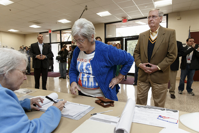 Photo:  Republican leader Mitch McConnell at the voting precinct at Bellarmine University in Louisville, US, November 4, 2014