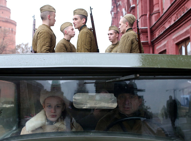 Photo: Participants of the event honoring 73rd anniversary of the historical 7 November 1941 Red Square Parade
