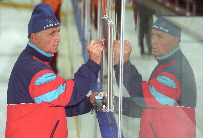 Chief coach of the CSKA Russian ice hockey team Viktor Tikhonov plans another match at the team's pre-season training, 2003