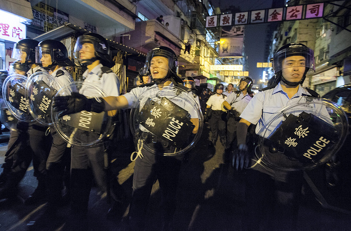 A total of 116 demonstrators have been detained in Hong Kong as they clashed with police to protest against the operation to remove barricades