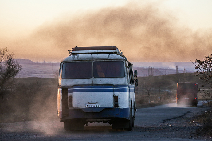 On December 1 Ukrainian government partially resumed imports of Russian coal. Photo: Bus delivering coal mine workers to their homes, Donetsk region, Ukraine